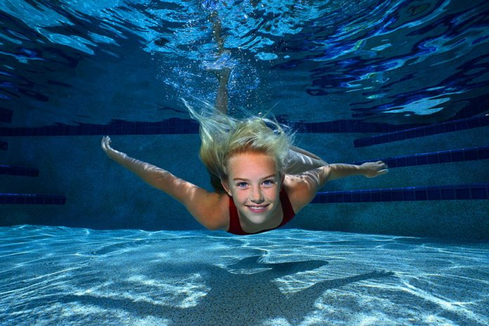 شنا زنان
