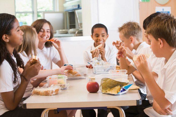 تغذیه کودک و نوجوان