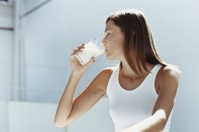 نوشیدن شیر