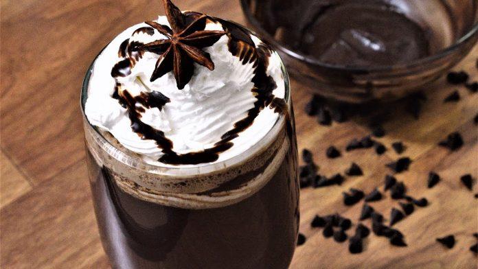 نوشیدنی شکلاتی